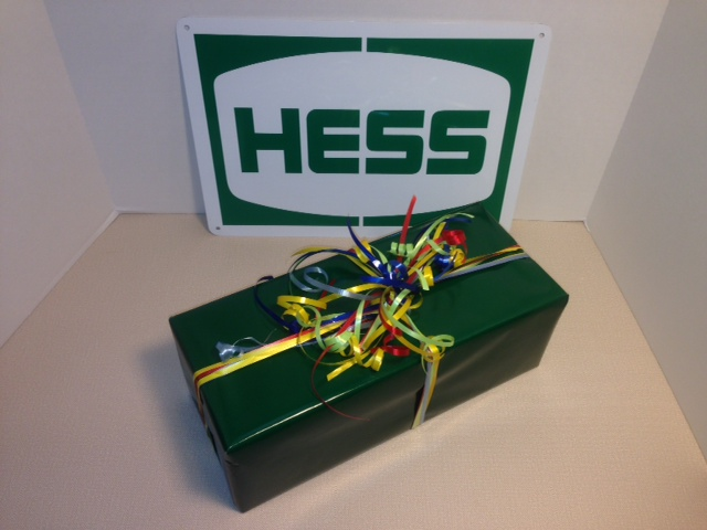 Hess Gift Wrapping 3