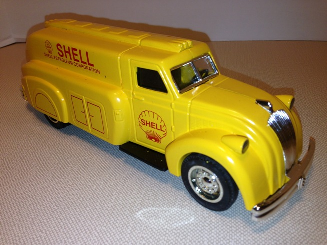 Scale Models 1938 Dodge Airflow Tanker Bank NOS Shell